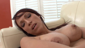 Young Nikki Hunter sensual kissing