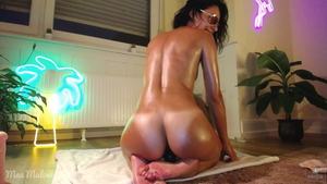 Tanned tight american amateur pussy fucking on webcam