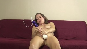 Lelu Love masturbation video