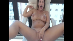 Hottest & pregnant blonde hair squirts solo