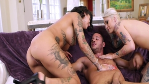 Inked chick Kleio Valentien digs pussy fucking