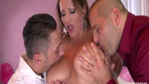 Deepthroat together with Laura Orsolya and Victoria Daniels