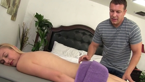 Alexa Grace goes for getting facial in HD