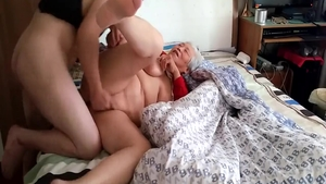 Big ass MILF homemade creampie