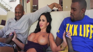 Hawt pornstar Jewels Jade likes hard ramming