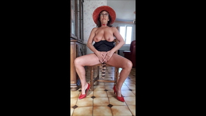 French MILF receives upskirt fucking in HD