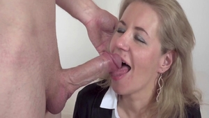 Super sexy housewife has a thing for raw sex