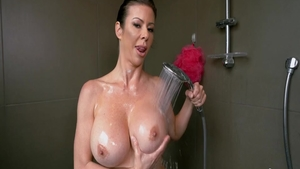 Super hot Alexis Fawx MILF blowjobs porn