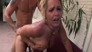 Huge tits Kelly Leigh blonde babe doggy sex video