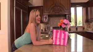 Hard nailining accompanied by awesome blonde hair Alexis Texas
