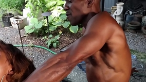 Muscled ebony coach has a taste for blowjob