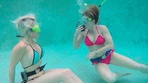 Very kinky lesbians pussy licking underwater