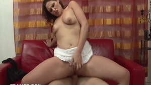 Passionate glamour french amateur cumshot