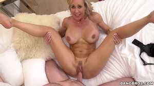 Hottest Brandi Love goes in for slamming hard