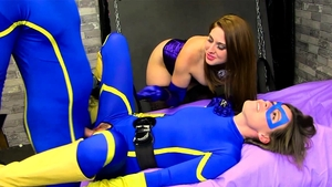 Penetration escorted by in latex in HD