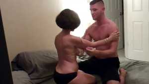 Young amateur cuckolding in HD