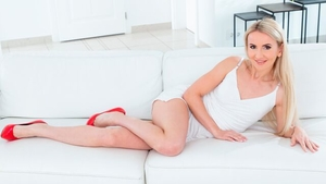 Good fuck with long legs blonde Tania Swank