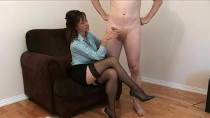 Cumshot sex tape with super sexy CFNM Kelly Hart