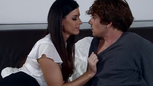 Good fuck in the company of young Arab MILF India Summer