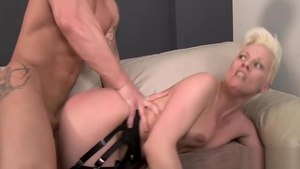 Big ass MILF has a passion for pussy fucking HD